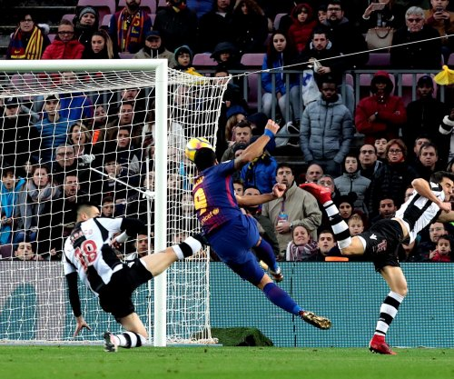 Luis Suarez, Lionel Messi net scores in Barcelona win vs. Levante