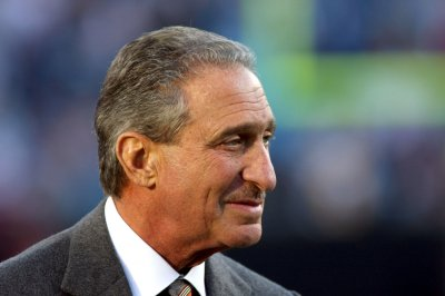 Owner Arthur Blank sells 10 percent share of Atlanta Falcons