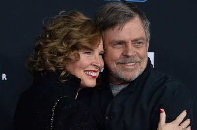 Mark Hamill surprises San Diego nurse on 'Kimmel'
