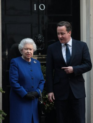 Cameron overheard saying Queen Elizabeth 'purred' over Scottish referendum result