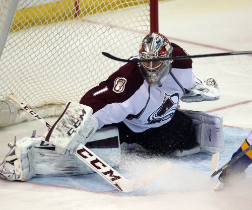 Avalanche and Wild to play outdoor hockey in 2015-2016 season
