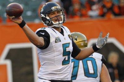 Jaguars QB Blake Bortles sprains throwing shoulder