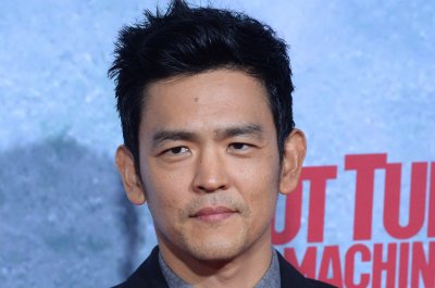 John Cho confirms Sulu is gay and married in 'Star Trek Beyond'