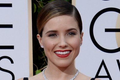 Sophia Bush calls out 'creepy' man on plane: 'You do not get to harass me'