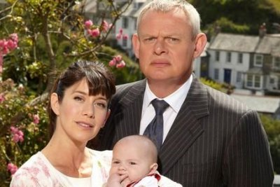 Martin Clunes resumes filming 'Doc Martin' in Cornwall