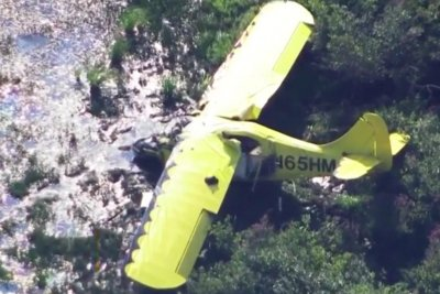 Pilot dies after crash during flight to spread his father's ashes