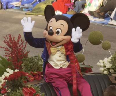 Glitch blamed for Mickey Mouse signing tax refund checks