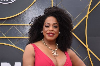 Niecy Nash named new host of 'Don't Forget the Lyrics'