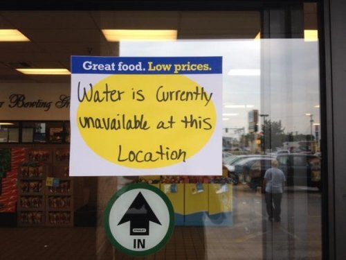 Toledo water ban lifted as mayor hopes crisis spurs environmental action