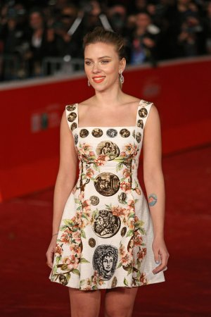 Scarlett Johansson offered lead in 'Ghost in the Shell'