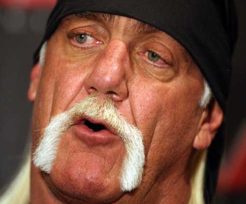 Hulk Hogan bashes critics and is grateful for fans