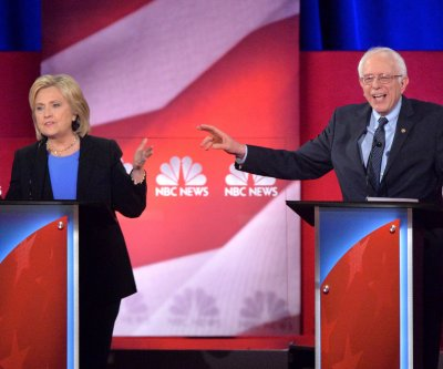 Clinton surges in N.H. poll but Sanders leads by 17 percent