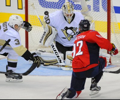 T.J. Oshie scores OT winner as Washington Capitals edge Pittsburgh Penguins