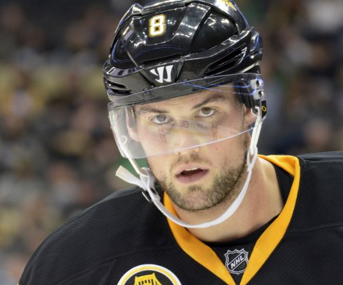 NHL: Pittsburgh Penguins sign defenseman Brian Dumoulin to six-year deal