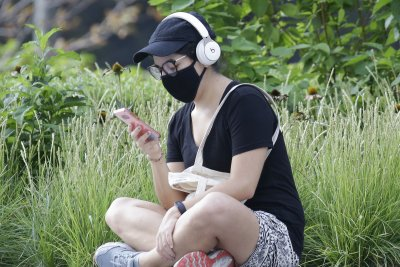 Study: Lack of outdoor time likely impacted quality of life, sleep during pandemic