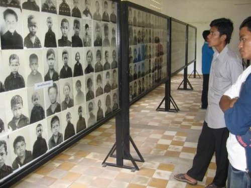 Genocide trial for Khmer Rouge leaders begins