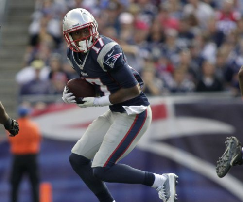 Patriots lose another receiver with Aaron Dobson's injury
