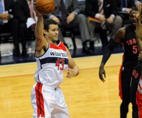 Atlanta Hawks re-sign Kris Humphries, Jarrett Jack, Malcolm Delaney