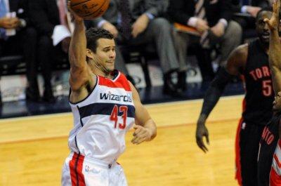Atlanta Hawks re-sign Kris Humphries, Jarrett Jack, Malcolm Delaney