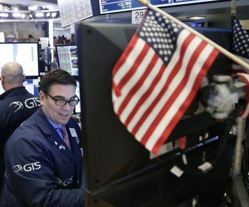 U.S. downgrades Q4 economic growth, but still solid at 2.5 percent