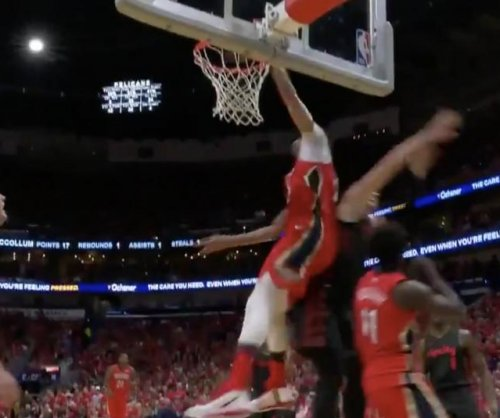 Pelicans' Anthony Davis completes out-of-nowhere slam dunk