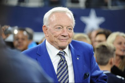 Sherman: Jerry Jones has 'old plantation mentality'