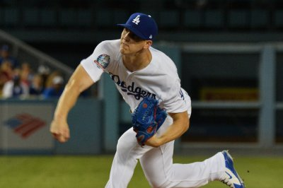NLCS: Brewers, Dodgers series tied heading to Los Angeles