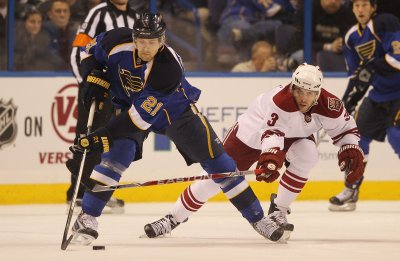 Yandle inks 5-year deal with Coyotes
