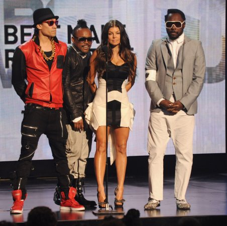 Black Eyed Peas to play Super Bowl