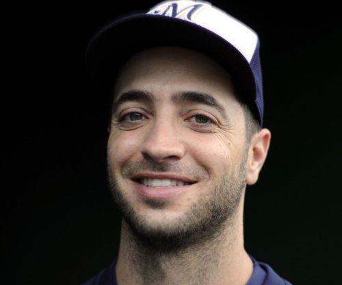 Brewers' Ryan Braun to undergo offseason back surgery