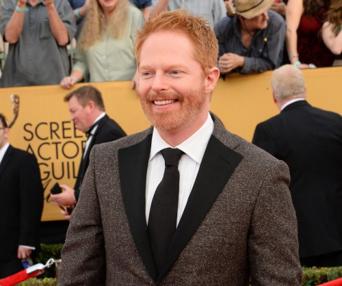 Jesse Tyler Ferguson to play 40-plus characters in Broadway's 'Fully Committed'