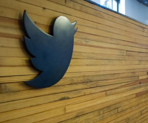 Twitter pulls lawsuit after feds drop summons for anonymous user's identity