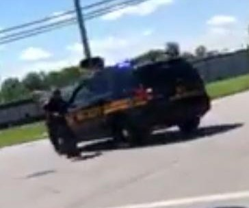 Ohio deputy chases runaway cruiser during traffic stop