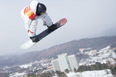 Snowboarding savant Shaun White debuts at Winter Games