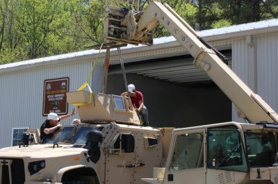 Marines to use current Humvee turrets on new JLTVs