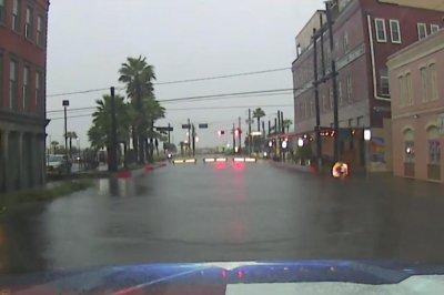 Imelda triggers widespread flooding across southeastern Texas