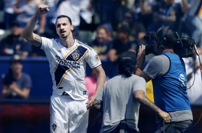 Zlatan Ibrahimovic agrees to join Serie A soccer squad AC Milan