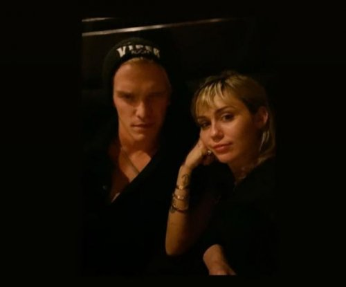 Miley Cyrus, Cody Simpson cozy up after split rumors