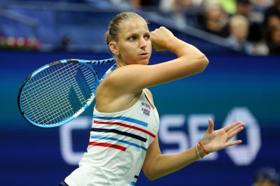 U.S. Open tennis: No. 1 seed Karolina Pliskova falls; Novak Djokovic rallies