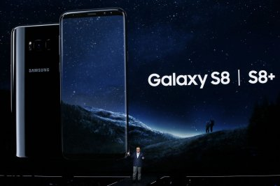Samsung unveils shiny new Galaxy S8 with 'Bixby' assistant