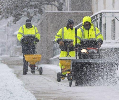 Severe weather prompts Enbridge oil pipeline closure
