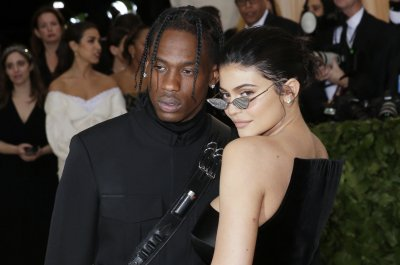 Travis Scott announces tour; Kylie Jenner and Stormi going, too