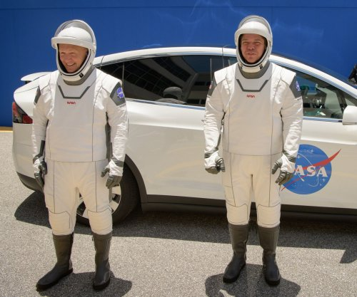 Weather threatens U.S. astronauts' SpaceX launch from Florida