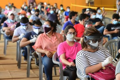 Coronavirus surging in India with 400,000 daily cases, 4,000 deaths