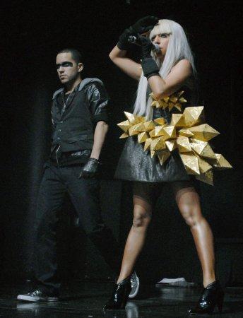 'Dance' stays No. 1 on U.S. record chart