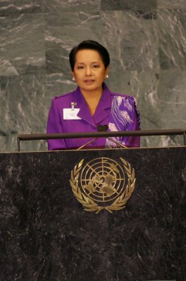 Arroyo travels to U.S., meeting with Obama