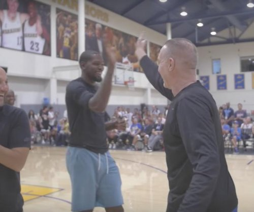 Kevin Durant: Golden State Warriors' star loses shooting contest to Chris Mullin
