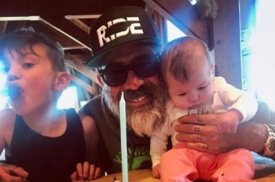 Jeffrey Dean Morgan spends 52nd birthday with his kids