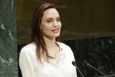 Watch Angelina Jolie Warns Love Doesn T Always End Well