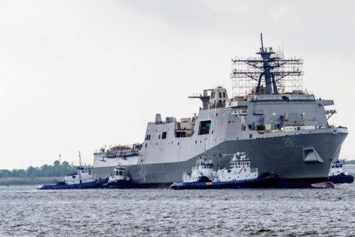 Amphibious transport dock ship USS Fort Lauderdale launched